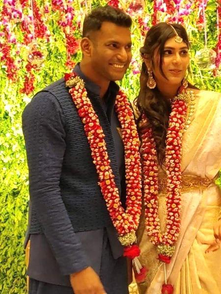 11-tdqqJLchedbhj_medium Vishal - Anisha Engagement