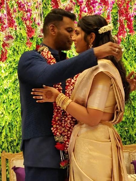 15-tdqqJLchedbje_medium Vishal - Anisha Engagement