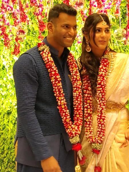 16-tdqqJLchedccg_medium Vishal - Anisha Engagement